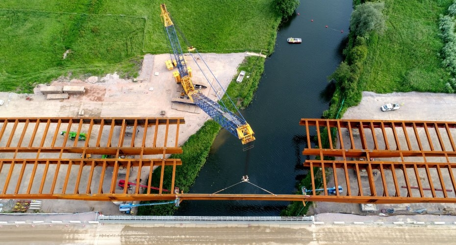 ​Major milestone on UK's biggest road upgrade as bridge installation progresses