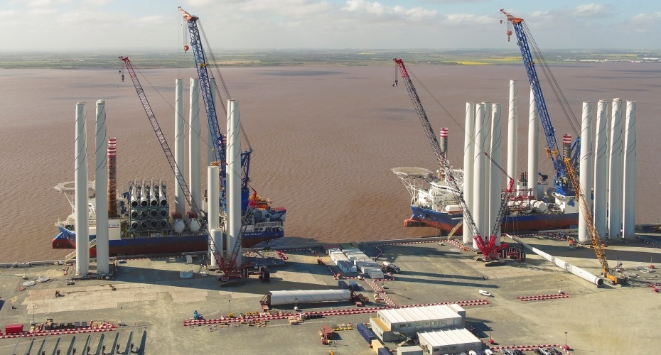 Lifting specialists improve safety and efficiency on wind turbine assembly site