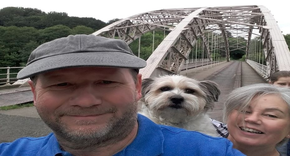 Fantastic surprise for bridge selfie competition winner