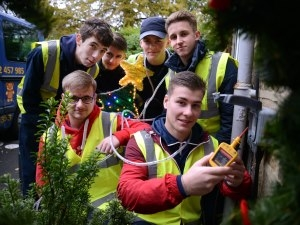 TTE trainees help shine a light on Zoë's Place for Christmas